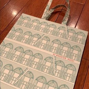 Gucci Wooster Street gift bag EXCLUSIVE PACKAGING